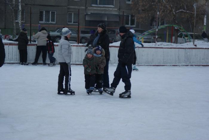 Куда пойти кататься на коньках в Бийске