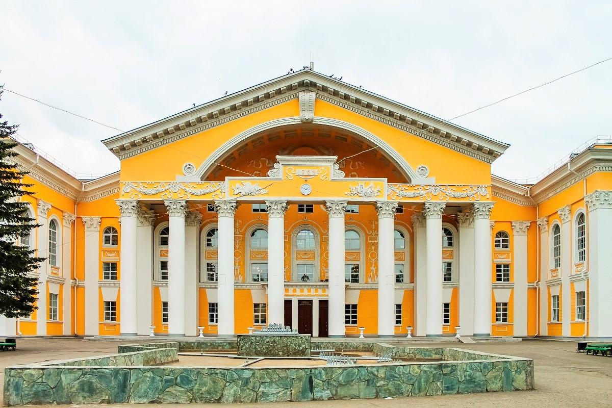 Городской дворец культуры в Бийске